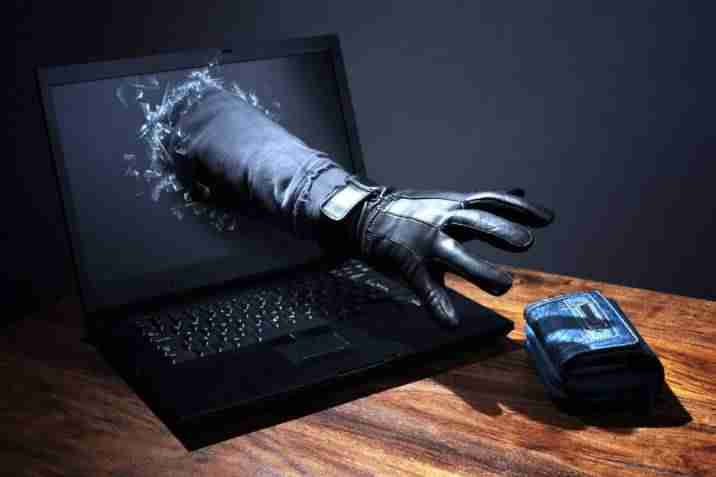 Delitos en Internet, Whatsapp y Redes Sociales como Facebook